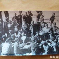 Militaria: FOTO ORIGINAL GUERRA CIVIL REQUETES CARLISTAS EN LA RETAGUARDIA MILITARES FRANCO AGENCIA VOIR PARIS. Lote 100050059