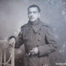 Militaria: FOTOGRAFÍA SOLDADO DEL EJÉRCITO ESPAÑOL. BURGOS 1940. Lote 100097659