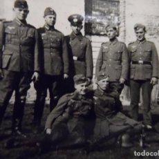 Militaria: SOLDADOS Y SUBOFICIALES WEHRMACHT POSANDO. 5º DIV. INF. ULM-RENANIA. AÑOS 1939-45. Lote 100333503
