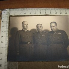 Militaria: FOTOGRAFIA MILITAR - GRUPO DE MILITARES SANIDAD - ALGUNO DIVISION AZUL???. Lote 100355411