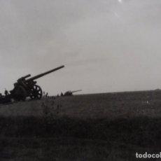 Militaria: CAÑONES SFH-18 150MM EN POSICION DE DISPARO. AR REG 41 . 5º D. INF. ULM-RENANIA. AÑOS 1939-45 . Lote 100386315