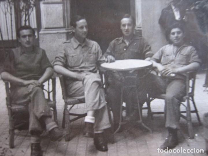 FOTOGRAFÍA SOLDADOS DEL EJÉRCITO NACIONAL. BARCELONA 5-1939 (Militar - Fotografía Militar - Otros)