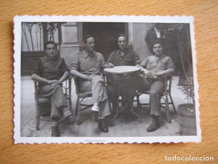 Militaria: Fotografía soldados del ejército nacional. Barcelona 5-1939 - Foto 2 - 101775055