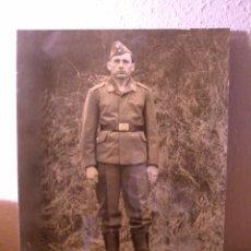 Militaria: ANTIGUA FOTOGRAFIA DE SOLDADO DE LA LUFTWAFFE ALEMANA. Lote 103175803