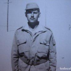 Militaria: FOTOGRAFÍA SOLDADO DEL EJÉRCITO ESPAÑOL. SAHARA ESPAÑOL 1970. Lote 103208151