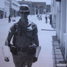 Militaria: FOTOGRAFÍA SOLDADO GASTADOR DEL EJÉRCITO ESPAÑOL. SAHARA ESPAÑOL 1970. Lote 103209747