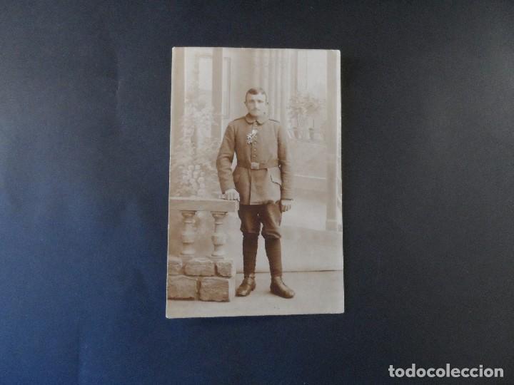 Militaria: SOLDADO IMPERIAL ALEMAN CON PASADOR CRUZ DE HIERRO Y MERITO DE GUERRA. AÑOS 1914-18 - Foto 2 - 103283687