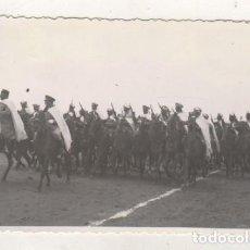 Militaria: FOTOGRAFÍA 13,50 X 8 CM FRANCO Y LA GUARDIA MORA. NO FIGURA FOTÓGRAFO. Lote 104280879