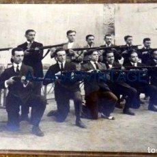 Militaria: ANTIGUA Y ORIGINAL FOTOGRAFIA REALIZADA A MILICIANOS FOTOGRAFIA MARTE,14X9 CMS. Lote 105150007