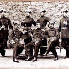 Militaria: GRAN FOTOGRAFIA ORIGINAL GRUPO GUARDIA CIVIL, AÑO 1899, EPOCA GUERRA DE CUBA, CON ESPADA Y PISTOLA. Lote 105203883