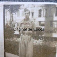 Militaria - (JX-171264)Fotografia de Soldado Ejercito Popular , Guerra Civil , con curioso cuchillo . - 105895131