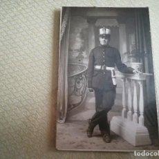 Militaria: FOTO ANTIGUA DE MILITAR. J. MAXENCHS, ART ESTUDIO ESTRANY MATARO MED. 14X9CM. Lote 107710147