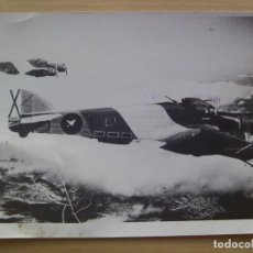 Militaria: GUERRA CIVIL - AVIACION : FOTO DE AVION SAVOIA - 79 EN VUELO DE LA AVIACION LEGIONARIA. Lote 107854279
