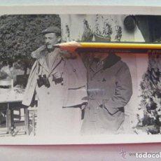 Militaria: GUERRA CIVIL : FOTO DE ALFEREZ PROVISIONAL CON CAPOTE-MANTA Y BOINA REQUETÉ. Lote 109270143