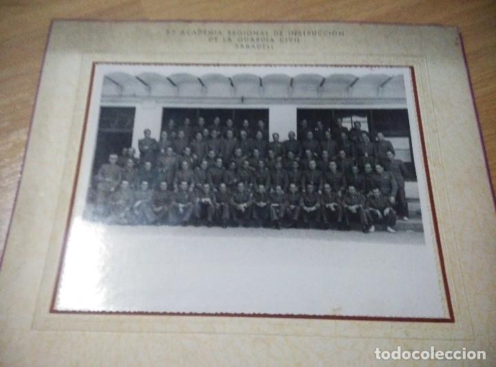 Militaria: ANTIGUA FOTO 3ª ACADEMIA REGIONAL DE INSTRUCCION DE LA GUARDIA CIVIL DE SABADELL, 23,5 x 18,5 cm - Foto 2 - 109995263