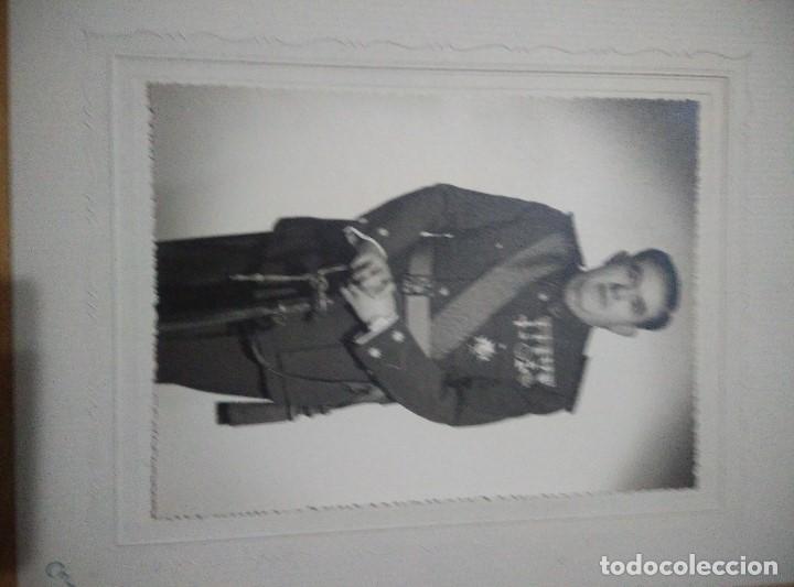 Militaria: ANTIGUA FOTO DE TENIENTE CORONEL DE LA GUARDIA CIVIL,COMPLETO UNOS 25 CM,HAY MAS FOTOS DESDE GUARDIA - Foto 2 - 109995659