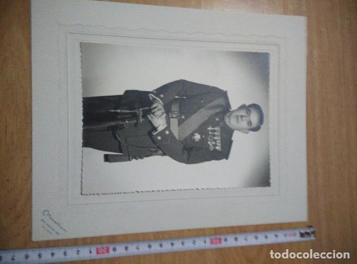 Militaria: ANTIGUA FOTO DE TENIENTE CORONEL DE LA GUARDIA CIVIL,COMPLETO UNOS 25 CM,HAY MAS FOTOS DESDE GUARDIA - Foto 3 - 109995659