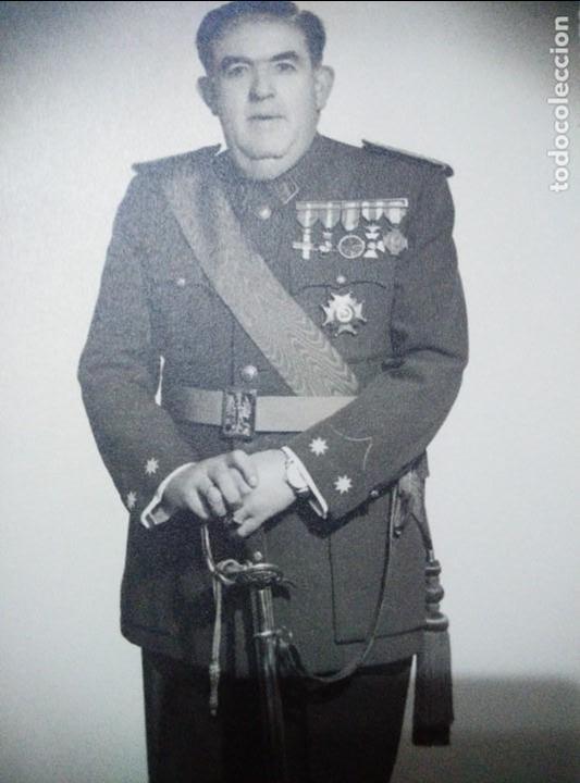 ANTIGUA FOTO DE TENIENTE CORONEL DE LA GUARDIA CIVIL,COMPLETO UNOS 25 CM,HAY MAS FOTOS DESDE GUARDIA (Militar - Fotografía Militar - Otros)