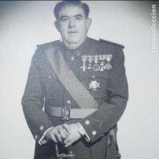 Militaria: ANTIGUA FOTO DE TENIENTE CORONEL DE LA GUARDIA CIVIL,COMPLETO UNOS 25 CM,HAY MAS FOTOS DESDE GUARDIA. Lote 109995659