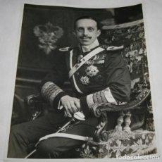 Militaria: FOTOGRAFIA ANTIGUA GRANDE DEL REY ALFONSO XIII. Lote 110254619