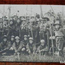 Militaria: ANTIGUA FOTO POSTAL DE BOY SCOUTS EN ESPAÑA, FOTOGRAFIA H. VALLVÉ, EXPLORADORES, ESCULTISMO, VER LAS. Lote 110564087