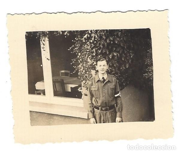 MIEMBRO DE LAS JUVENTUDES HITLERIANAS CON BRAZALETE (Militar - Fotografía Militar - II Guerra Mundial)