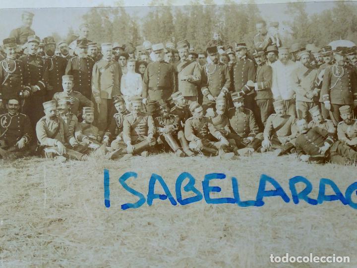 Militaria: FG-314. REGIMIENTO LANCEROS DE LA REINA, FOTO DE GRUPO CON JEFES, OFICIALES Y SOLDADOS. AÑO 1903. - Foto 5 - 112983259