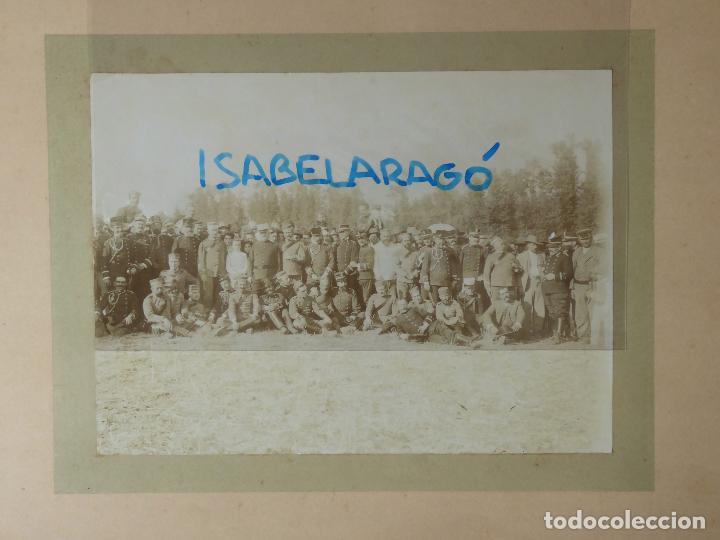 Militaria: FG-314. REGIMIENTO LANCEROS DE LA REINA, FOTO DE GRUPO CON JEFES, OFICIALES Y SOLDADOS. AÑO 1903. - Foto 6 - 112983259