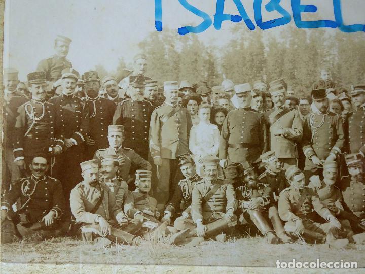 Militaria: FG-314. REGIMIENTO LANCEROS DE LA REINA, FOTO DE GRUPO CON JEFES, OFICIALES Y SOLDADOS. AÑO 1903. - Foto 7 - 112983259