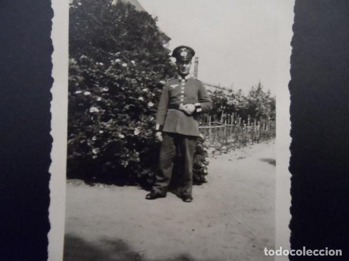 CADETE DE LA WEHRMACHT DELANTE DE SU GRANJA. III REICH. AÑOS 1939-45 (Militar - Fotografía Militar - II Guerra Mundial)