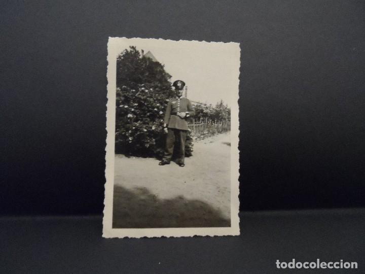 Militaria: CADETE DE LA WEHRMACHT DELANTE DE SU GRANJA. III REICH. AÑOS 1939-45 - Foto 2 - 113593427