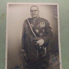 Militaria: FOTOGRAFIA MILITAR CONDECORADO. DEDICADA. Lote 113675967