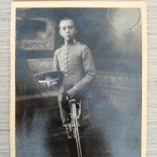 Militaria: MILITAR CUERPO DE INGENIEROS - CON SU GORRA Y SABLE 1923 - EPOCA ALFONSO XIII - ENRIQUE PONCE - TRIA. Lote 113981783