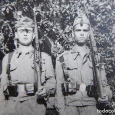 Militaria: FOTOGRAFÍA SOLDADOS INFANTERÍA DE MARINA. 1º BATERÍA DE COSTAS SANTA CRUZ DE TENERIFE 1963. Lote 114661983