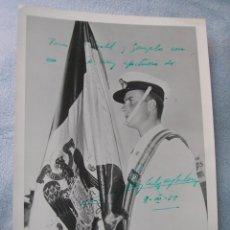 Militaria: MUY RARA FOTOGRAFIA FIRMADA Y DEDICADA POR EL REY JUAN CARLOS COMO GUARDIAMARINA. AÑO 1958.. Lote 114733155