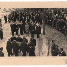 Militaria: ALFONSO DE BORBON, ENTIERRO DEL INFANTE- 2 DE ABRIL 1956, FOTO:ARTELUZ- BENFICA-LISBOA, VER FOTOS. Lote 114887659