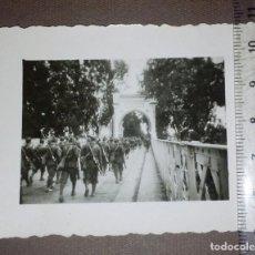 Militaria: LEGIONARIOS EN EL PUENTE SOBRE EL KERMA, ALCAZARQUIVIR, MARRUECOS.LEGIÓN, TERCIO, RIF, GUERRA CIVIL.. Lote 116342247