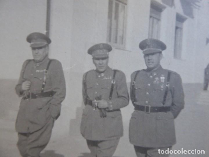 FOTOGRAFÍA TENIENTE CORONEL POLICÍA ARMADA. MEDALLA MÉRITO MILITAR INDIVIDUAL (Militar - Fotografía Militar - Otros)
