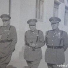 Militaria: FOTOGRAFÍA TENIENTE CORONEL POLICÍA ARMADA. MEDALLA MÉRITO MILITAR INDIVIDUAL. Lote 116709103