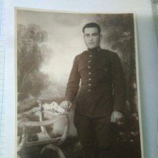 Militaria: FOTOGRAFIA SOLDADO MILITAR SEVILLANO SIRVIENDO EN MELILLA AÑOS 20,MILITAR 1922,DEDICADA.ENVIO CERTIF. Lote 116787183