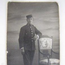 Militaria: SOLDADO REGIMIENTO FERROCARRILES. GORRO PANADERO ALFONSINO. 1914. Lote 116892799
