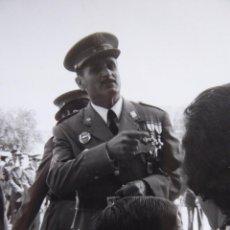 Militaria: FOTOGRAFÍA TENIENTE POLICÍA ARMADA. PLACA BANDERA MÓVIL. Lote 117366927