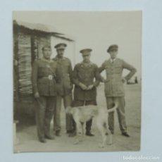 Militaria: FOTOGRAFIA DE OFICIALES EN PLENA GUERRA CIVIL,, MIDE 6 X 5,5 CMS.. Lote 117699399