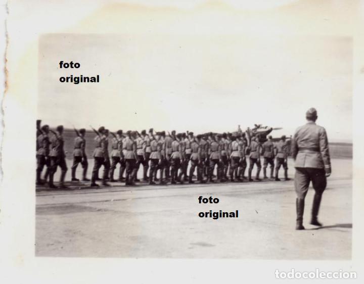 DESFILE TROPAS LEGION CONDOR AERODROMO LEON 1937 GUERRA CIVIL (Militar - Fotografía Militar - Guerra Civil Española)
