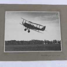 Militaria: FOTOGRAFIA DE AVION INICIANDO EL VUELO EN EL PRAT DE LLOBREGAT, EL 13 DE JUNIO DE 1928, MIDE 32 X 24. Lote 118345027