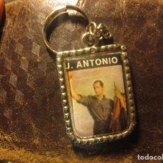 Militaria: JOSE ANTONIO DISTINTIVO ANTIGUO LLAVERO MILITAR FALANGE. Lote 118697927
