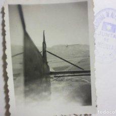 Militaria: NADOR AVIACION FOTO AVION DE ARRASTRE VUELO SIN MOTOR ATERRIZANDO EN AERODROMO. Lote 119124079