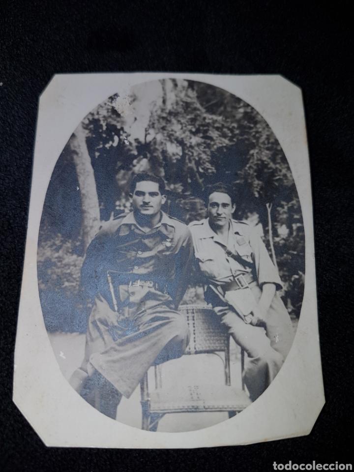 FOTO GUERRA CIVIL PARCHE ARTILLERIA Y PISTOLA (Militar - Fotografía Militar - Guerra Civil Española)