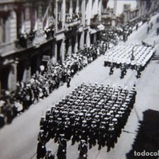 Militaria: FOTOGRAFÍA SOLDADOS MARINA. DESFILE DE LA VICTORIA LAS PALMAS DE GRAN CANARIA 1944. Lote 119308099
