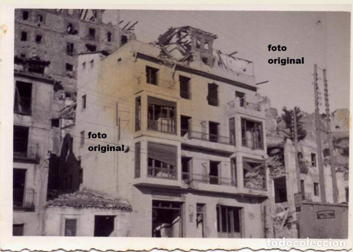 EFECTOS BATALLA TERUEL SOBRE EDIFICIOS ALREDEDOR SEMINARIO GUERRA CIVIL 1938 (Militar - Fotografía Militar - Guerra Civil Española)